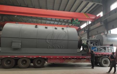 云南客户的三台12吨废轮胎炼油设备完成发货