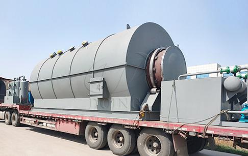 四台12吨废轮胎炼油设备发往广西
